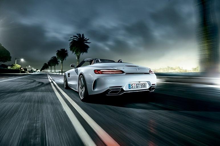 高性能版は557ps/680Nm、メルセデス AMG GT「ロードスター」が登場