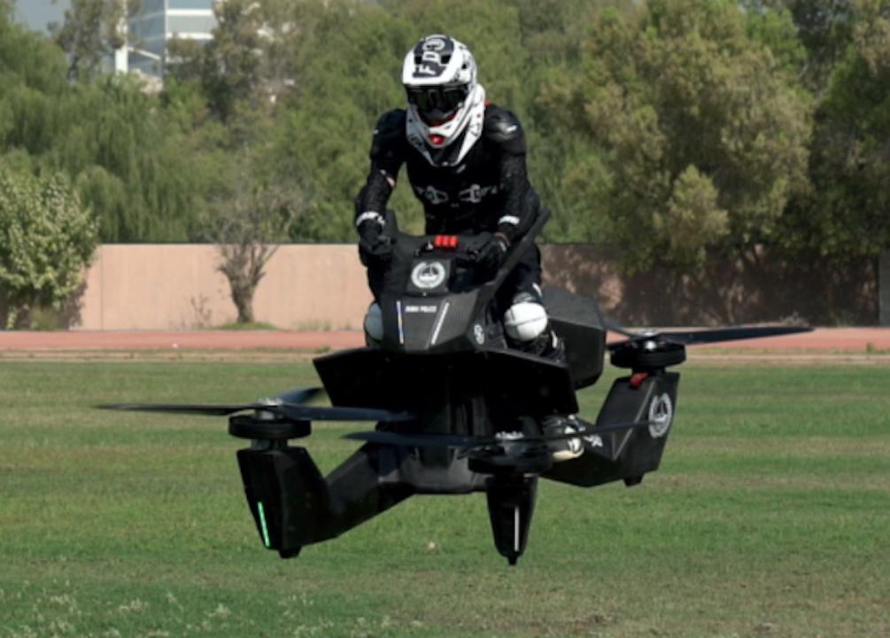 【動画あり】お値段1700万円の空飛ぶバイクをドバイ警察が初採用!!!