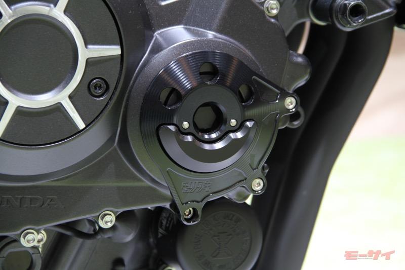 これがCB1000R……だと! ホンダが東京モーターショーでダーク&クールなカスタマイズモデルを展示