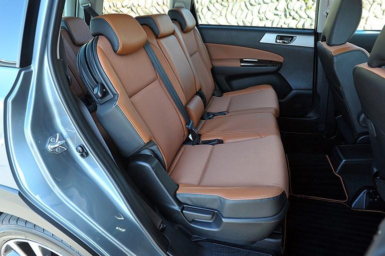 スバル クロスオーバー7発表、よりアグレッシブな都市型SUVへ変貌