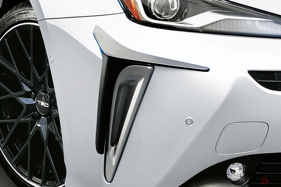 大人しめ顔がオラオラ顔に? トヨタ新型「プリウス」をTRDのエアロパーツでカスタマイズ