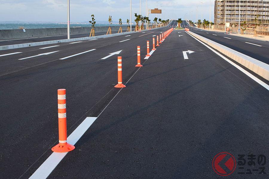 道路にある「オレンジ棒」なぜ増えた? 誕生から30年、進化し続け海外でも高評価の理由とは