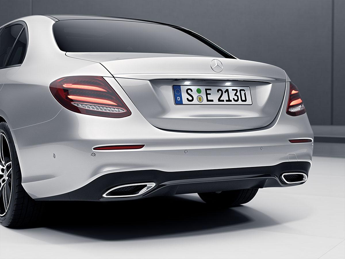 メルセデス・ベンツEクラスをより洗練させた特別仕様車「ローレウスエディション」を発売