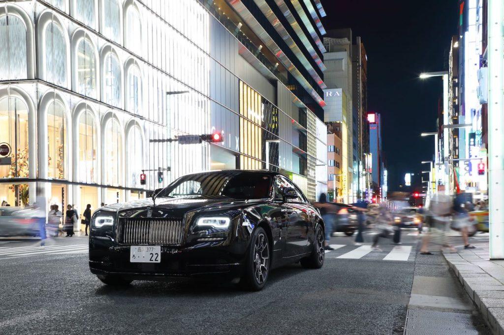 東京を妖しく切り取ったロールス・ロイス写真展「ブラック・バッジ:東京アフターアワーズ」開催