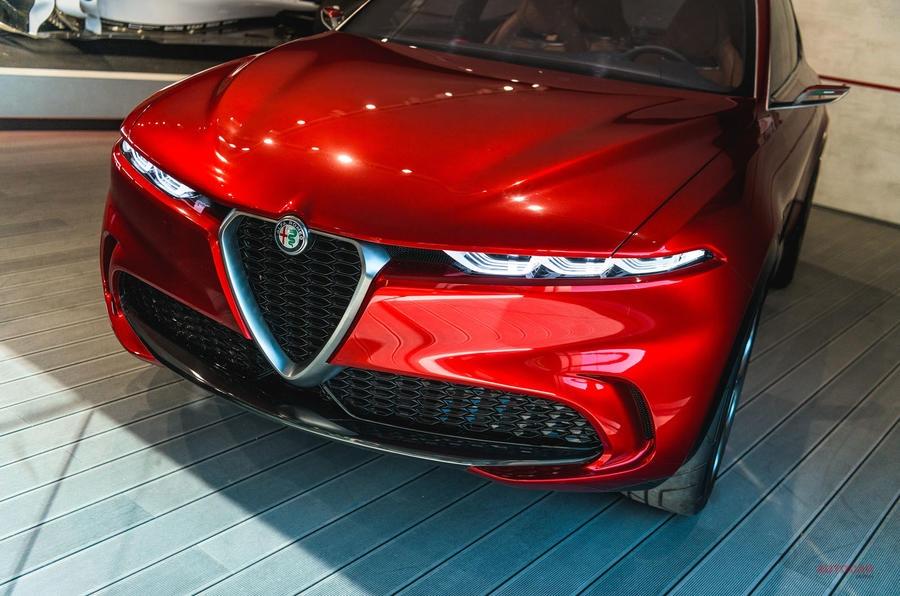 実車 アルファ・ロメオ・トナーレ PHEVの新型SUV グッドウッドに展示