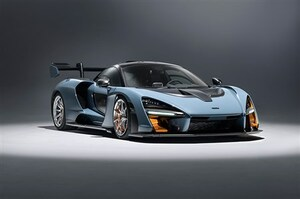 マクラーレンの高性能ロードカー、セナを日本初披露。0-100km/h加速2.8秒