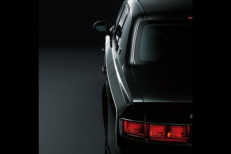 トヨタ最高級車センチュリーが新型に。先進技術は要らない?