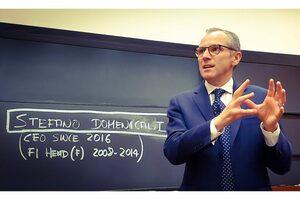ランボルギーニのステファノ・ドメニカリCEO、ハーバードビジネススクールの講義に参加