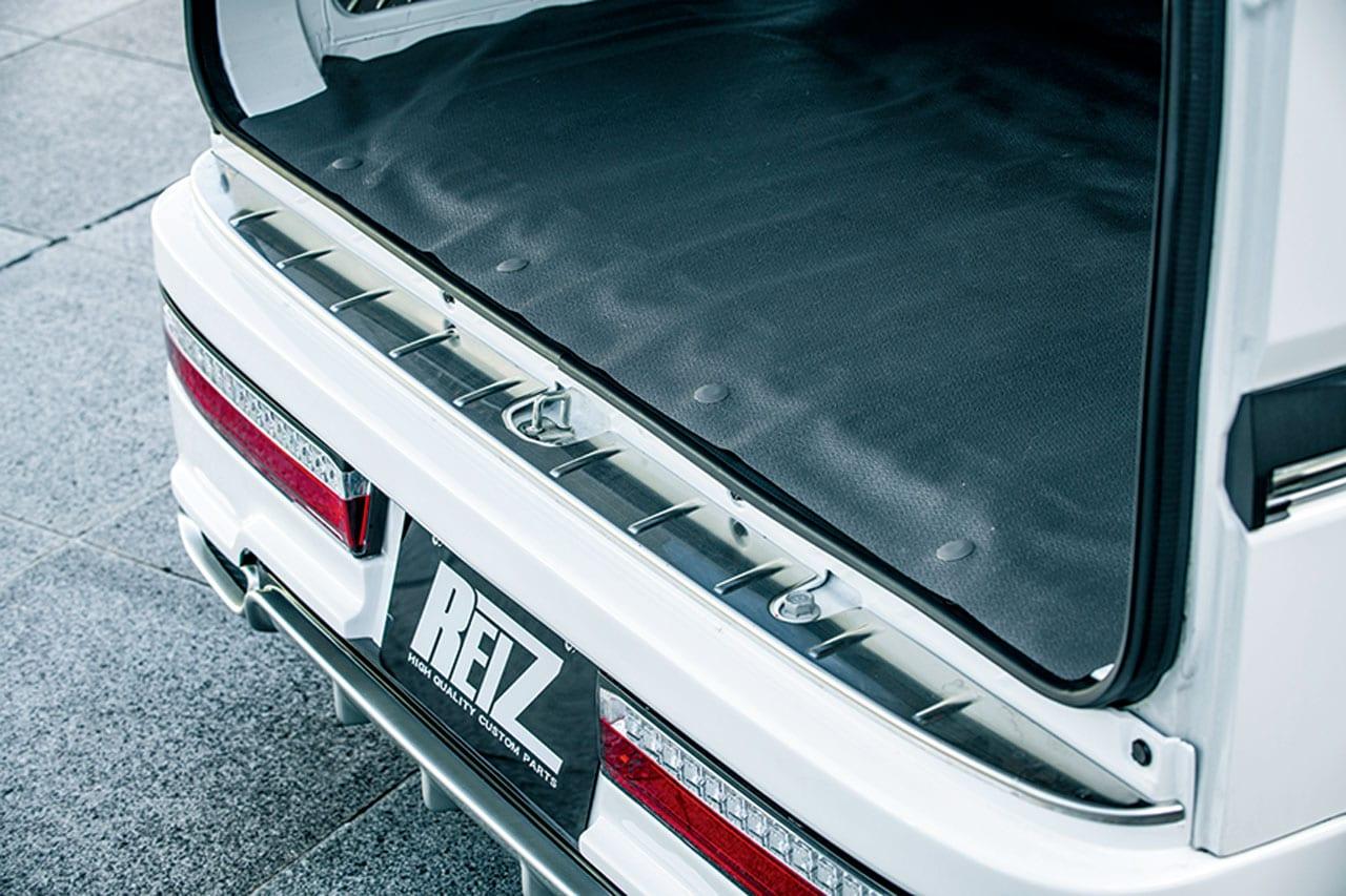 L型ポジションにシーケンシャルウインカー付き。ウソみたいだろ。軽自動車なんだぜ。それ。|REIZ|エブリイ エアロ カスタム