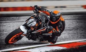 【新車】KTM 2020年モデルがリリース・ラッシュ! よりエキサイティングな走りが楽しめる「890 DUKE R」の価格と発売時期が発表されました!