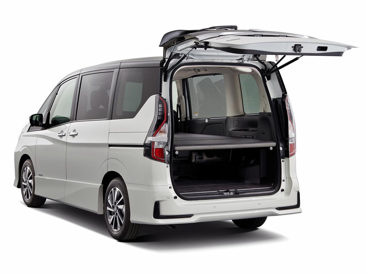 車中泊仕様のセレナ「マルチベッド」をオーテックジャパンが発売。NV200バネット版の仕様向上も