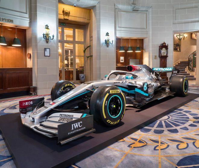 メルセデスF1、2020年型マシン『W11』のカラーリングをお披露目。スポンサーカラーのレッドをあしらう