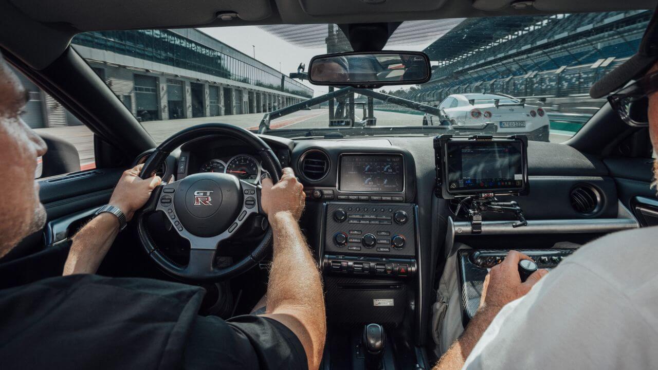 """2020年モデルの「日産GT-R NISMO」を撮影した""""究極のカメラカー""""とは?"""