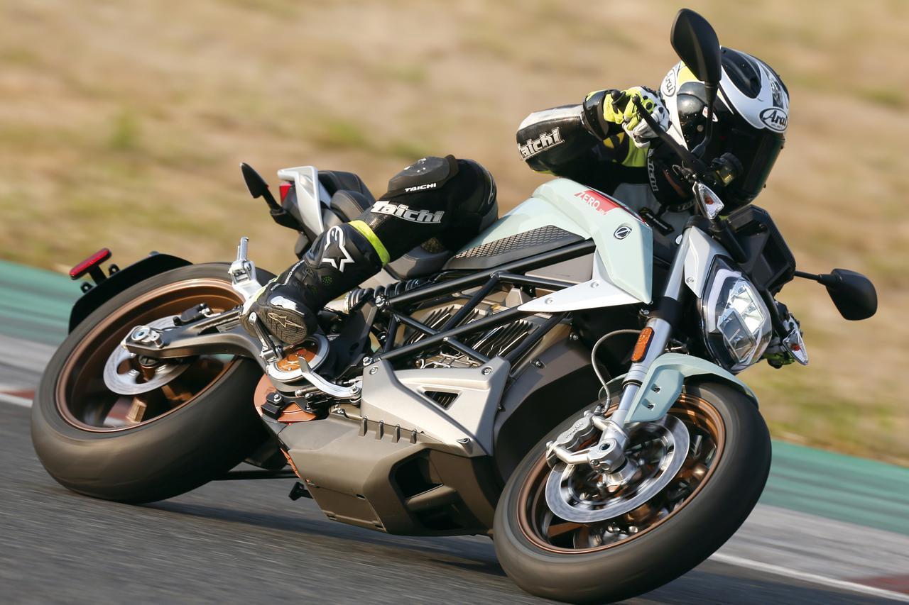 最高時速200km! 電動大型スポーツバイク ZERO「SR / F」試乗インプレ・車両解説(2020年)