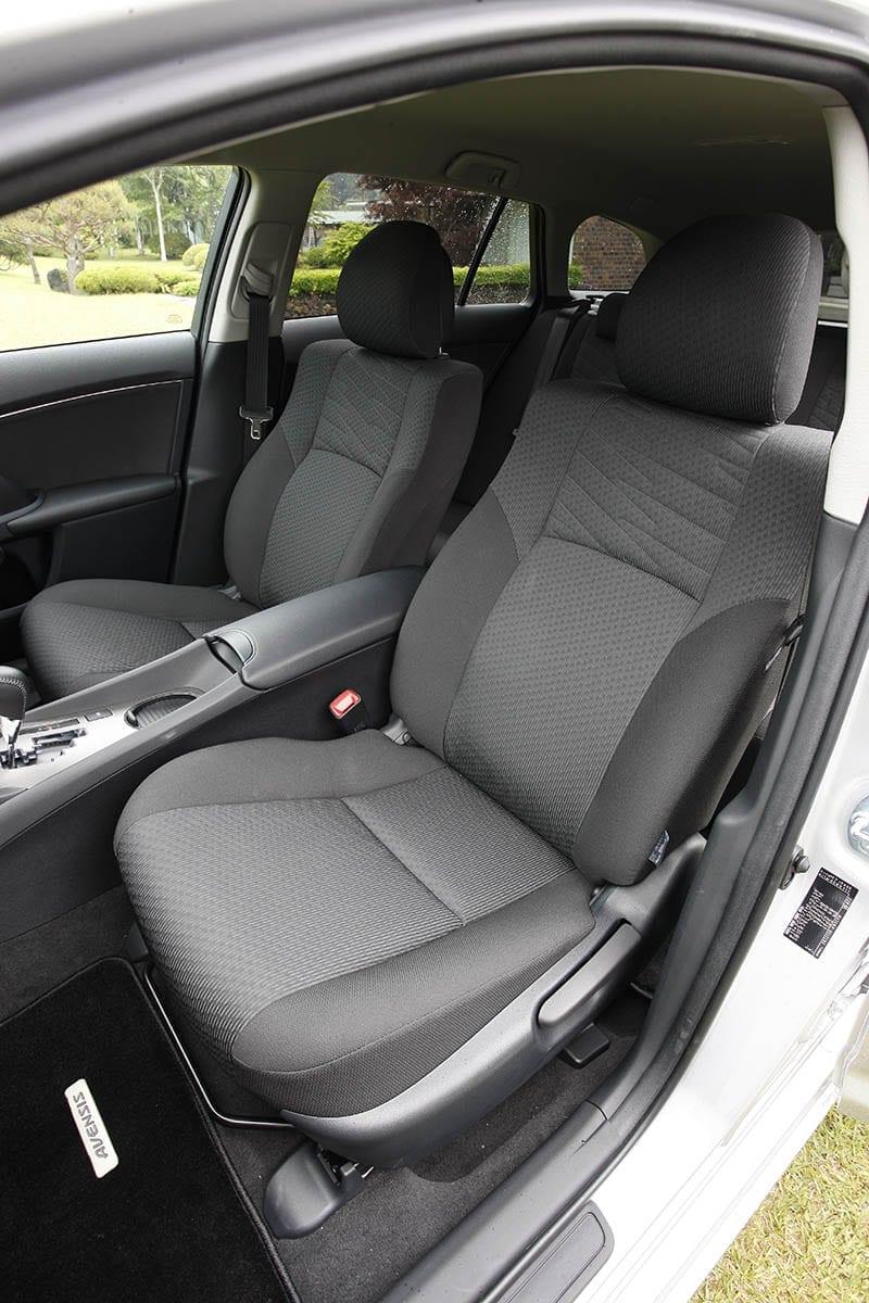 まんま欧州仕様でした! トヨタ・T270系前期アベンシス(2011年6月~2012年2月) 中古車選びに役立つ「当時モノ」新車試乗記