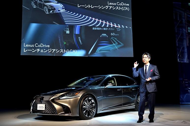 レクサスの最上級セダンLSを日本初披露。発売は今秋以降にハイブリッドから