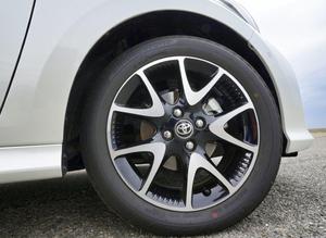 安いけど…燃費は? 乗り心地は?? 小さいサイズのタイヤに代えるとクルマはどうなる
