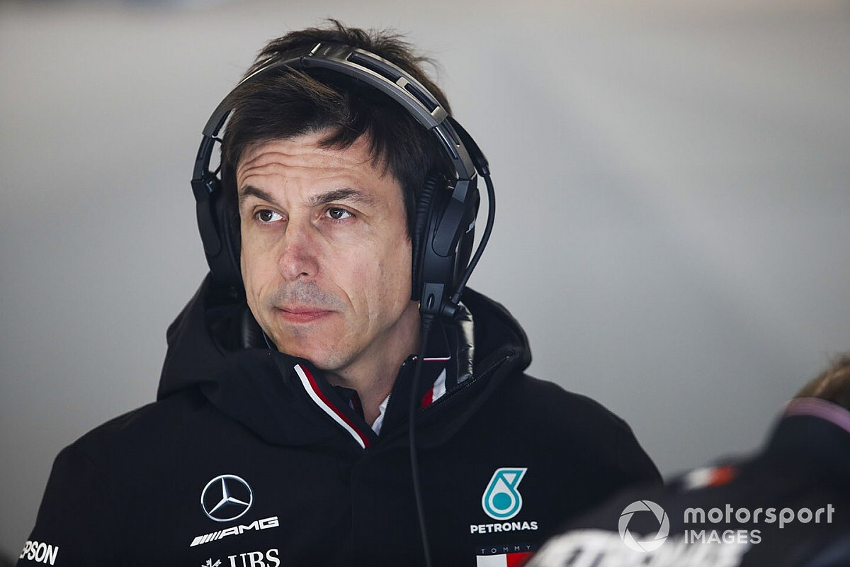 ダイムラー、メルセデスF1撤退の噂を否定。「トト・ウルフと協力していく」