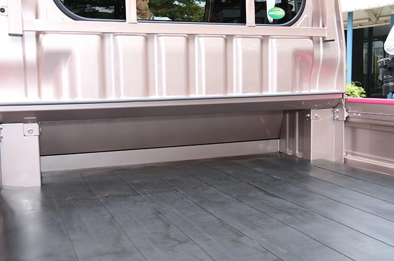ハイゼット トラック改良 「衝突回避支援システム」軽トラ初採用