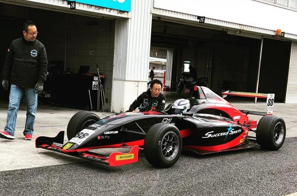 諦めたくない夢「もう一度フォーミュラカーレースに出たい」~大瀧賢治42歳のレースへのこだわり~