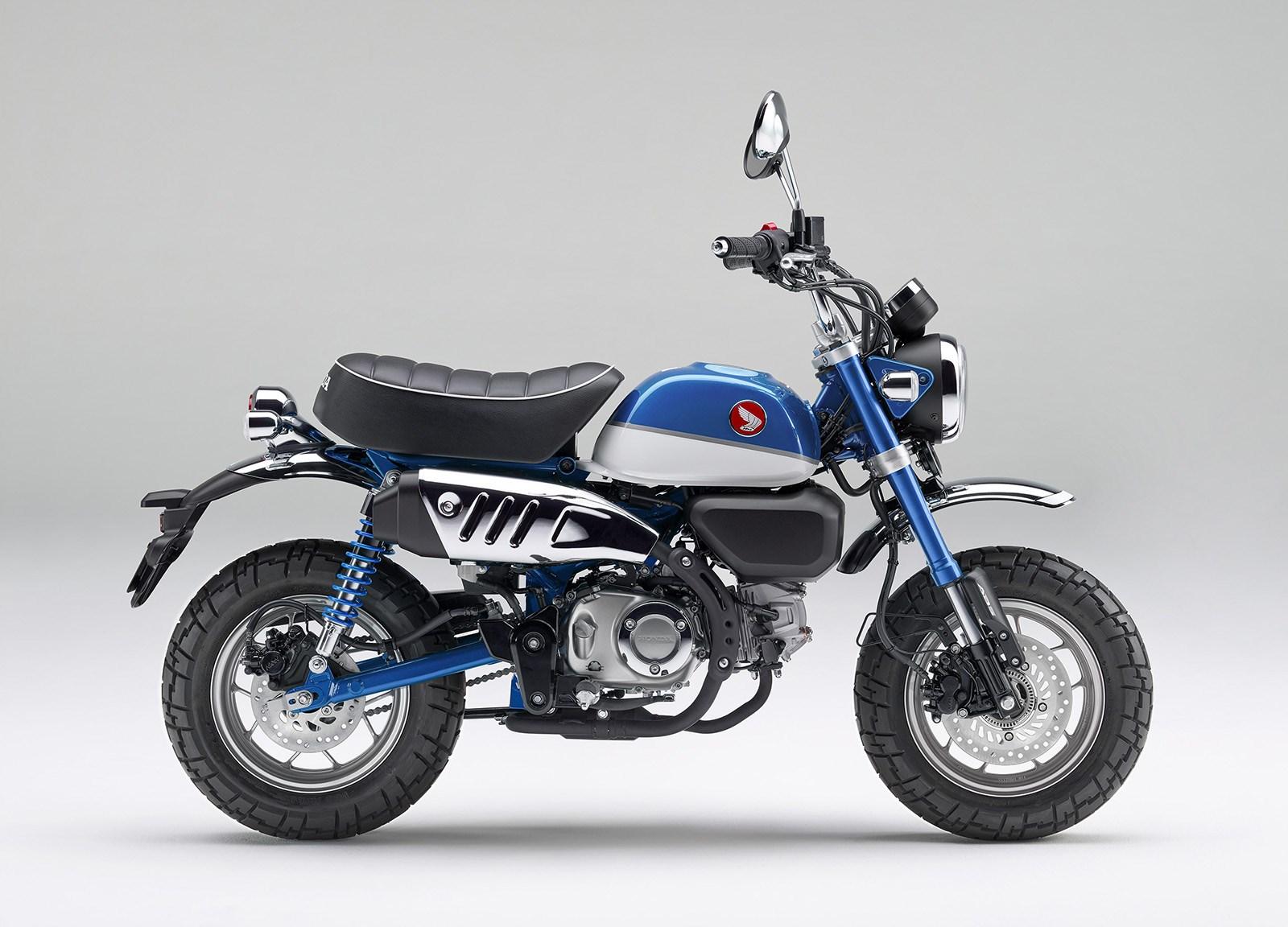 「ホンダ モンキー125」に爽やかなブルーが登場。既存色とあわせて全3色から選べるように
