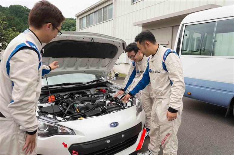 エンジニアがテストドライバーに迫るドラテクを磨く、スバル流の哲学とは?