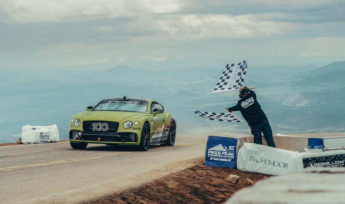 超高級車ベントレー・コンチネンタルGT がパイクスピークにて市販車最速記録