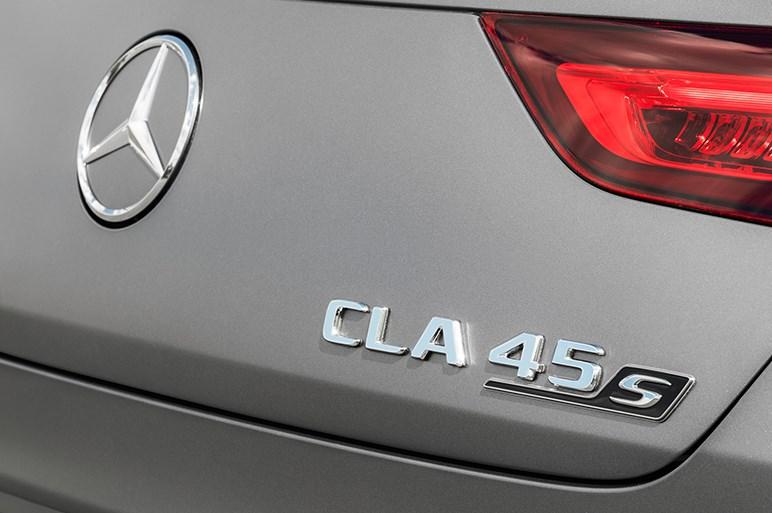 メルセデス、CLAシューティングブレークに高性能版「45」と「45 S」を設定