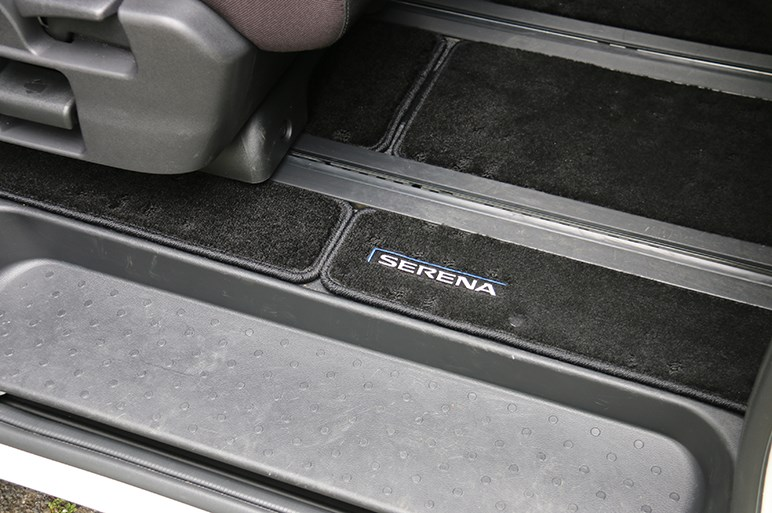 日産セレナe-POWERはミニバンながら運転も楽しめるドライバーズカー。値引き交渉の健闘を祈る