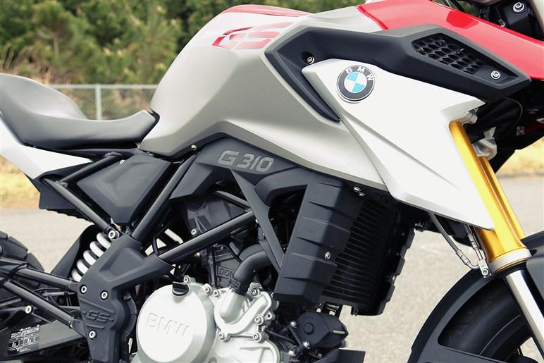 普通二輪免許で乗れる身近なBMWアドベンチャー BMW G 310 GS
