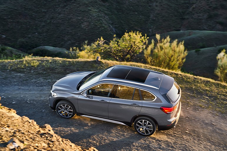 独BMW、X1のマイナーチェンジモデルを本国で発表。外装は新型1シリーズと共通のモチーフに