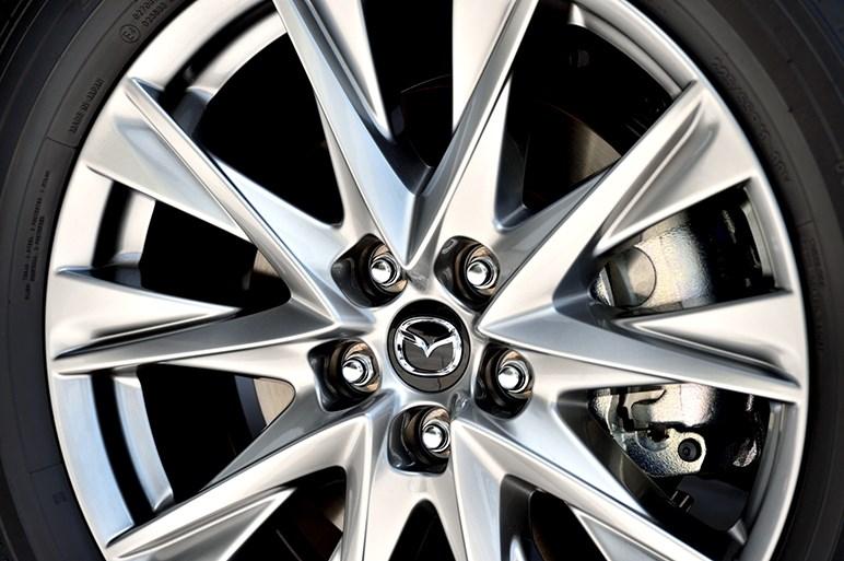 新型3列シートSUV「マツダ CX-8」は、走りやデザインを諦めない新たなファミリーカー