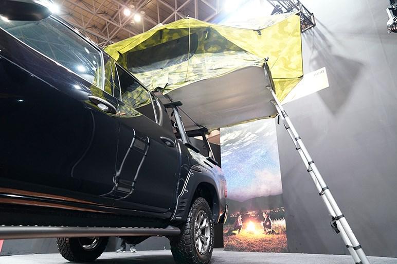 タフなラリー参戦パーツを装着 TRD ハイラックス - 東京オートサロン2020