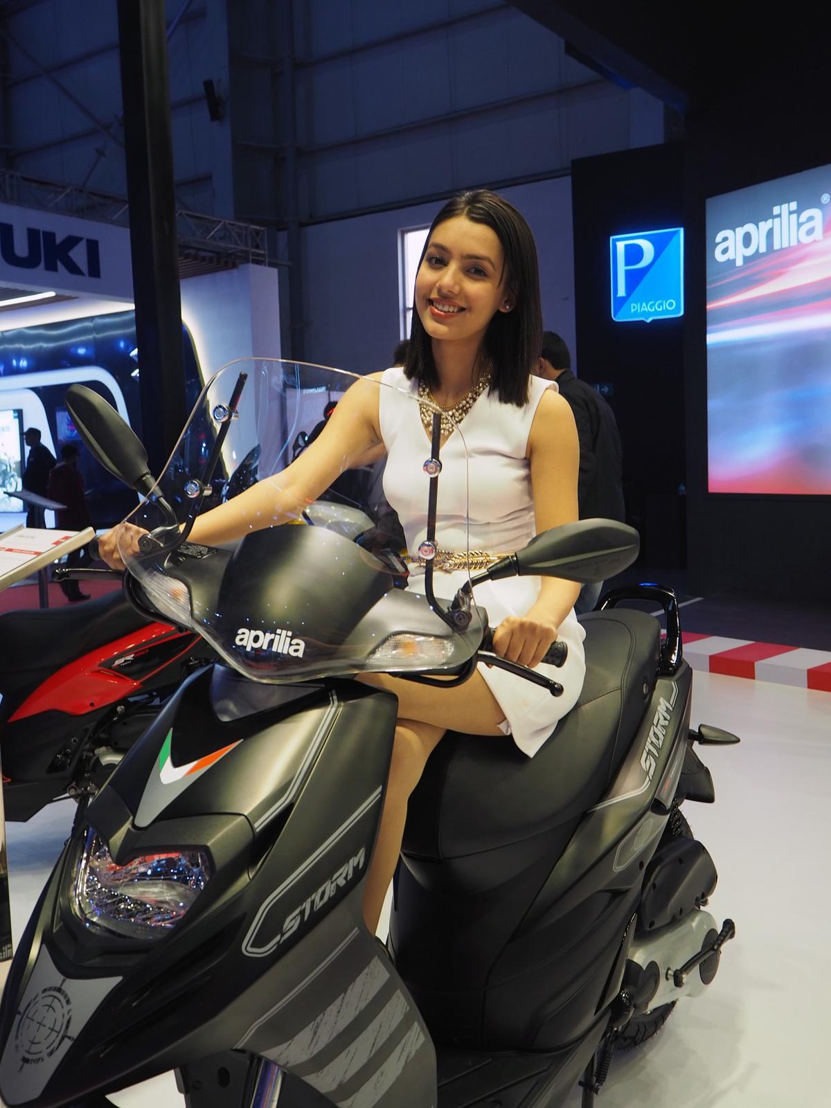 【過激か!? それともマジメか?】AUTO EXPOで見たインドのコンパニオン事情
