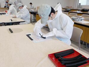 三菱自の水島製作所、自社生産のフェイスシールド寄贈 岡山県内で1万個