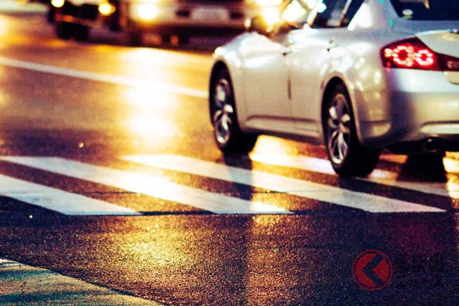 新車の「消えないライト」が急増… 相次ぐ義務化で夜間のカーライフに変化あり?
