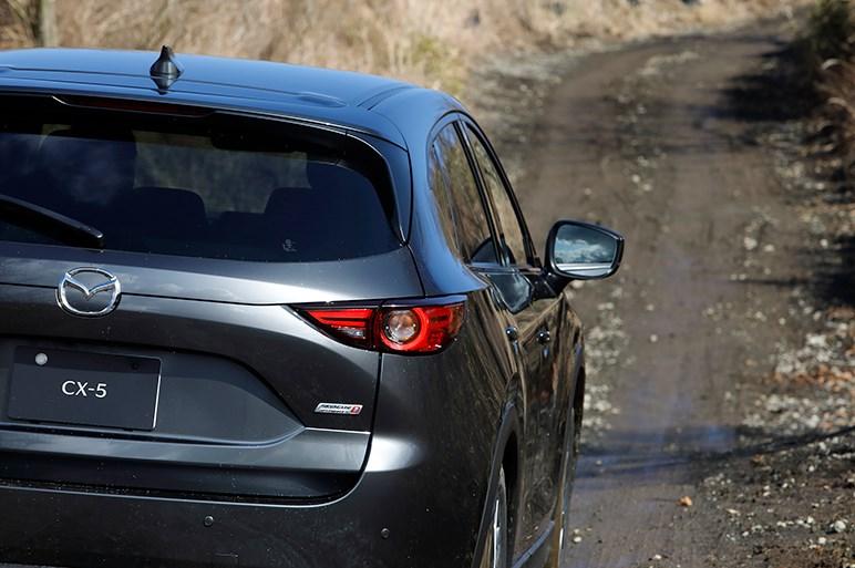 マツダ CX-30、CX-5、CX-8でマッドなオフロードコースへ。乗用車向けAWDの進化を実感