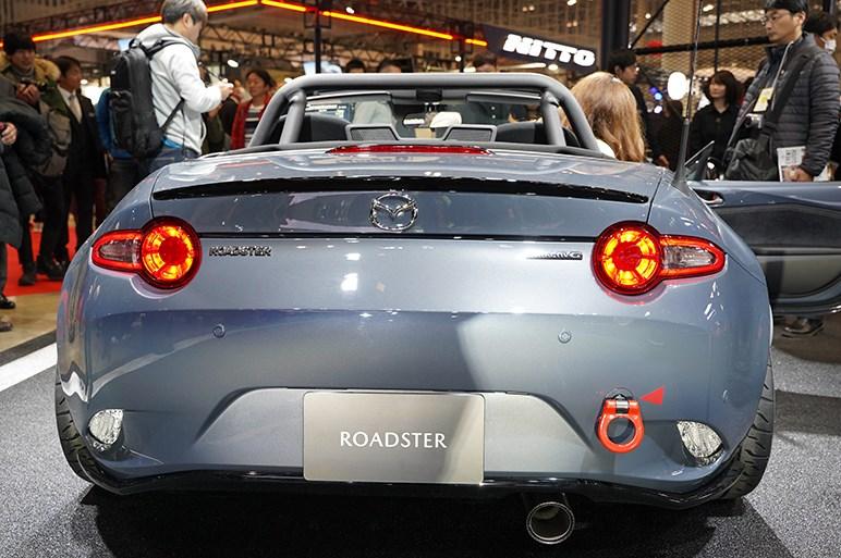 ロードスター、マツダ3ファストバック、CX-5をちょっとクラシカルなレーサースタイルにカスタマイズ - 東京オートサロン