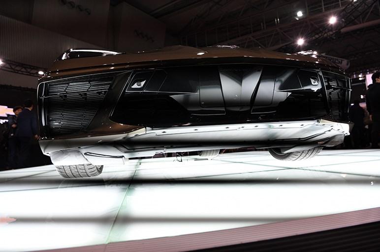 ついにミッドシップ化した新型シボレー コルベットが日本で初お披露目 - 東京オートサロン
