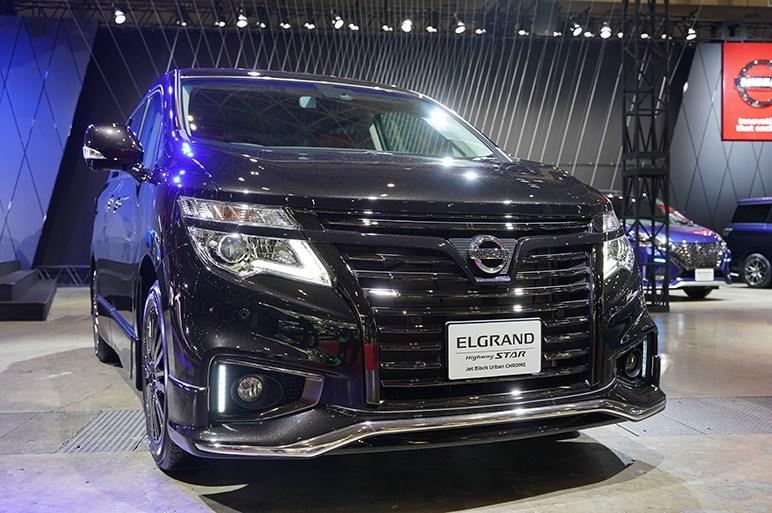 10年目のエルグランドに特別仕様車 ハイウェイスター ジェットブラックアーバンクロム- 東京オートサロン