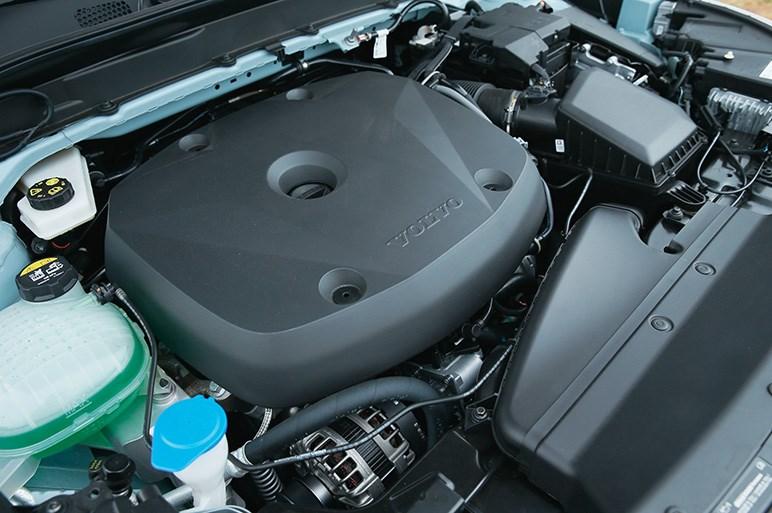 好調ボルボXC40に新たにT4エンジンを追加。長い納車待ち以外に欠点はない?