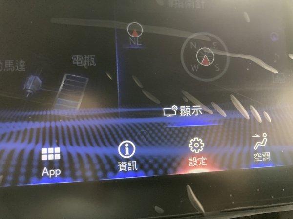アルファードも真っ青の価格2580万円!! 国内未発売レクサスLMが日本で販売中! どこで買える?