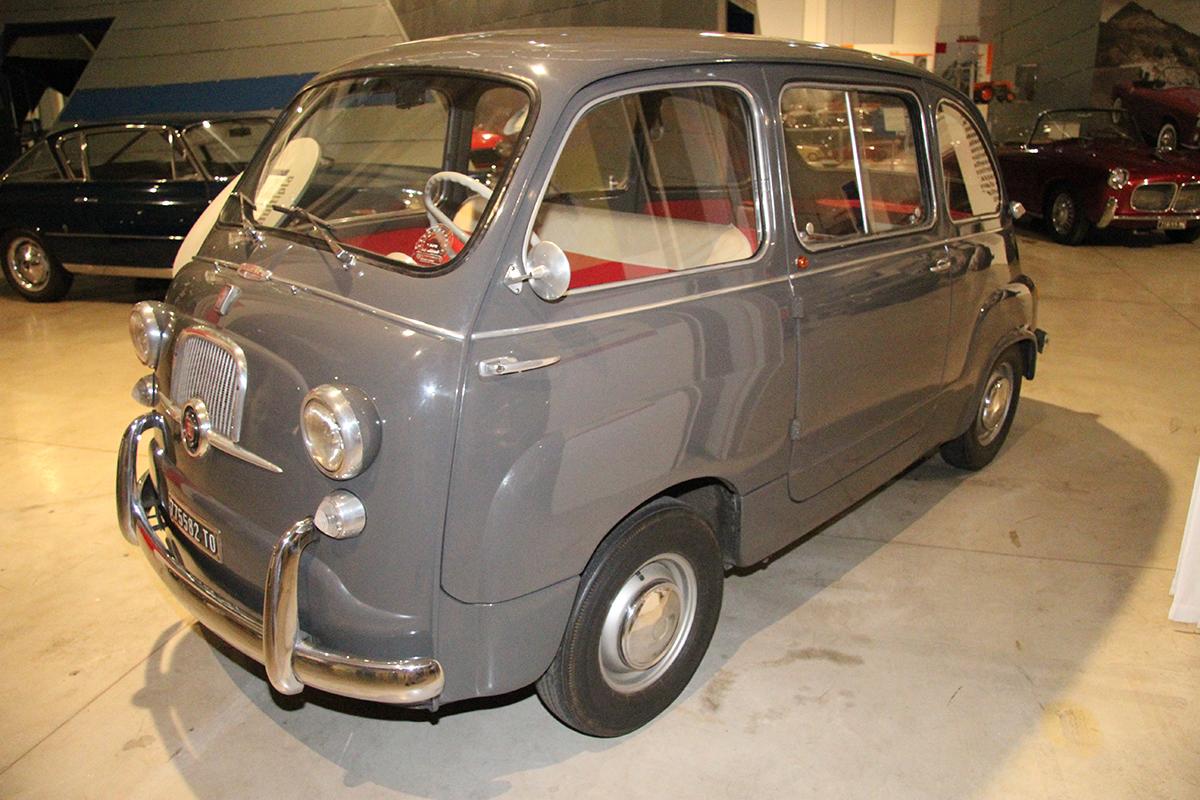 ミニバンのルーツは乗用車の派生モデル!欧州では戦前より登場