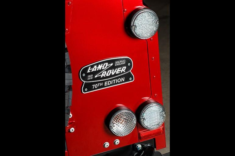 ディフェンダーが高性能化してリバイバル 史上最強の405馬力を発生