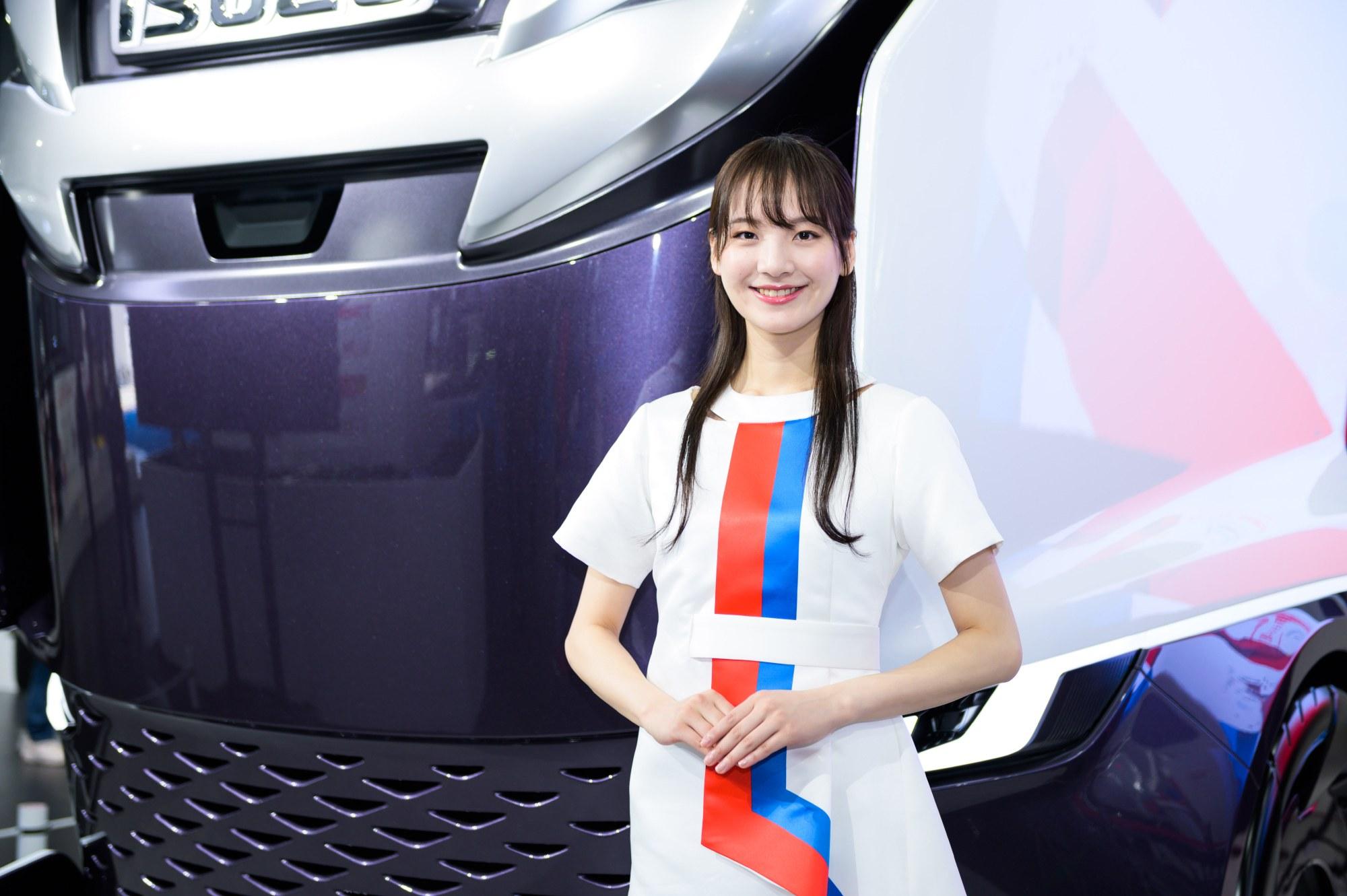 東京モーターショー2019 辛酸なめ子のコンパニオン批評