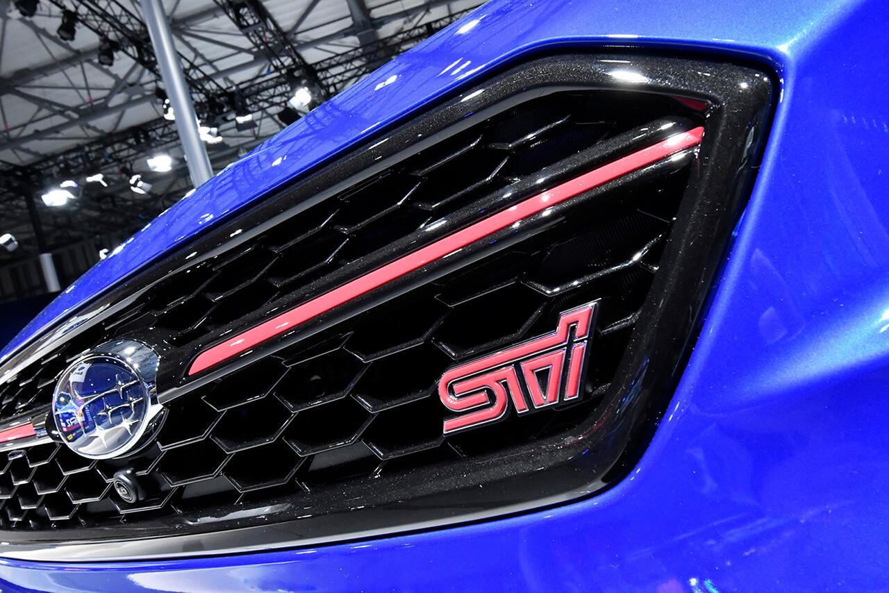 """スバルが「EJ20」エンジンを搭載した「WRX STI」の""""集大成""""を発表!"""