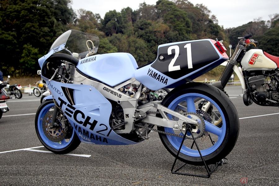ヤマハの250cc4サイクル4気筒レーサーレプリカの本命「FZR250」が登場した日