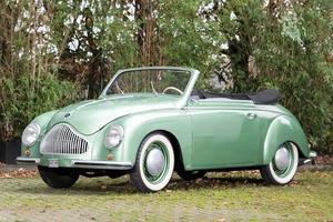 【マニアック】現存10台 1952年ディナ・ヴェリタス・カブリオレ、仏オークションに