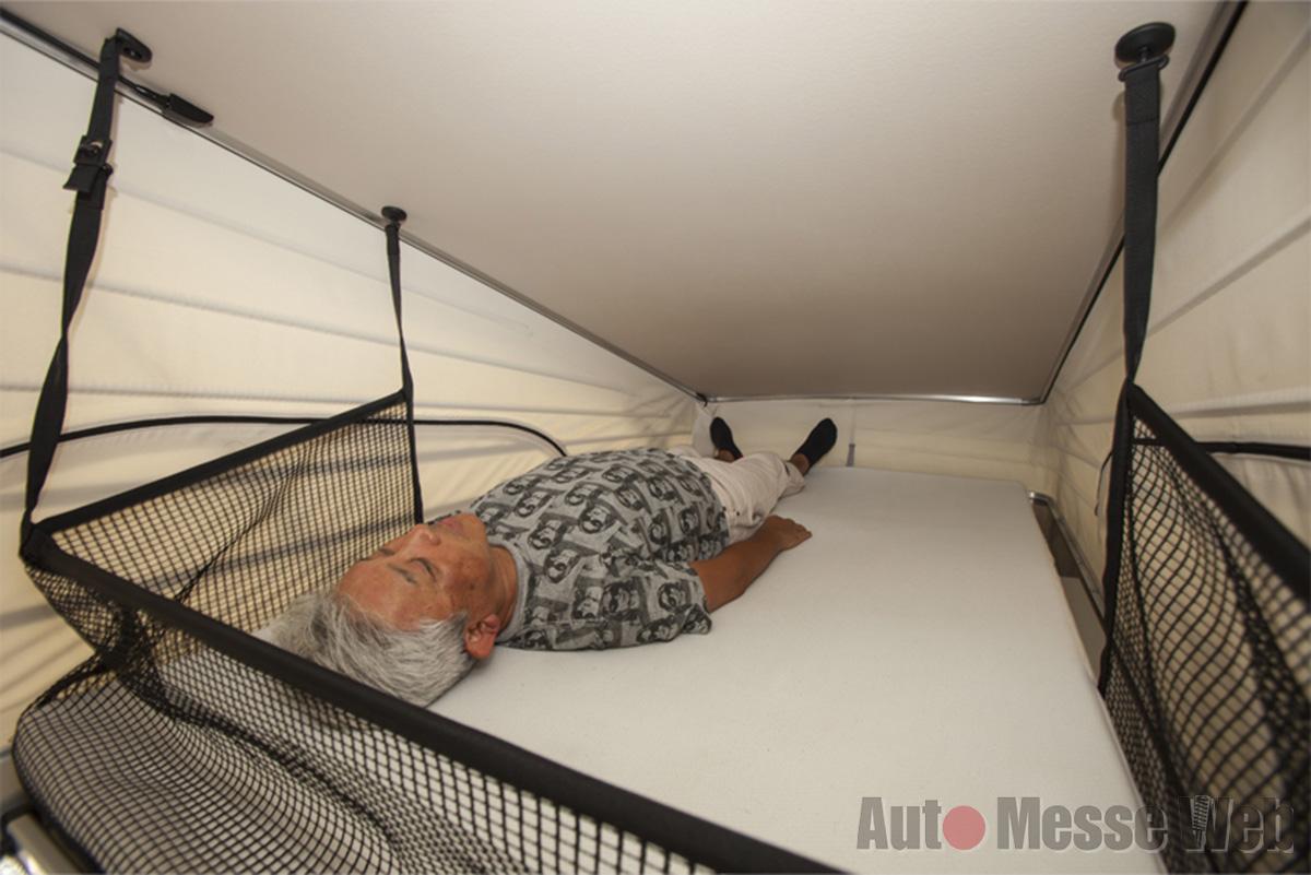 キャンピング仕様のメルセデス・ベンツVクラス「車中泊の実力を徹底レポート」