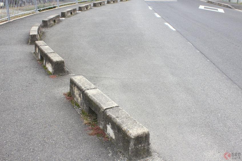 「ガリッ」が怖い、歩道の縁石や車止めの高さに基準はあるのか?